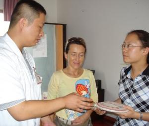 Dr. Li in Dr. Betsy, Kunming, Kitajska, 2009